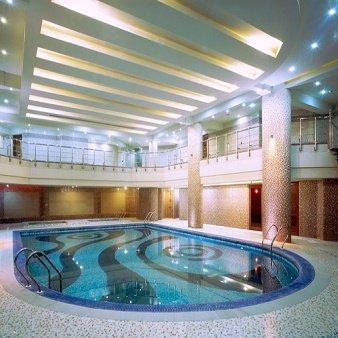 استخر طراوت هتل پارسیان کرمانشاه